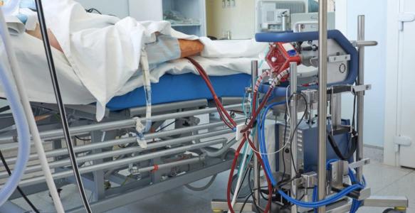 Ngày 5/4/2020, bệnh tình của bệnh nhân chuyển biến nặng, các bác sĩ phải đặt nội khí quản, lọc máu liên tục cho ông. Tuy nhiên, bệnh diễn ra quá nhanh, ngày hôm sau bệnh nhân 91 phải dùng hệ thống ECMO. Những ngày tiếp theo bệnh càng nặng hơn, phổi bệnh nhân đông đặc gần hết, chỉ còn 10% hoạt động, lại thêm biến chứng tràn khí màng phổi, rối loạn đông máu,... gần như không còn đáp ứng thuốc đang điều trị, Bộ Y tế chỉ đạo nhập khẩu khẩn cấp thuốc chống đông