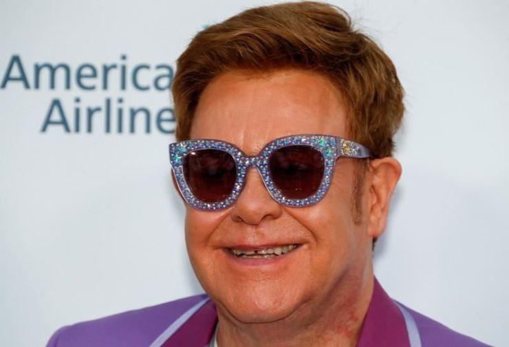Danh ca Elton John ủng hộ 25 triệu USD phòng chống HIV ở Đông Âu và Trung Á.