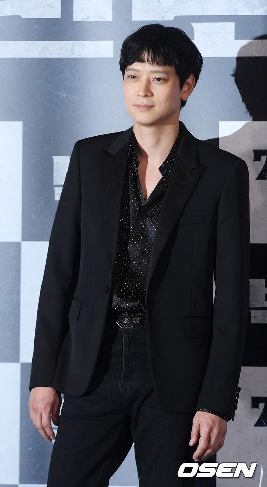 Kang Dong Won chia sẻ về dự án lần này.