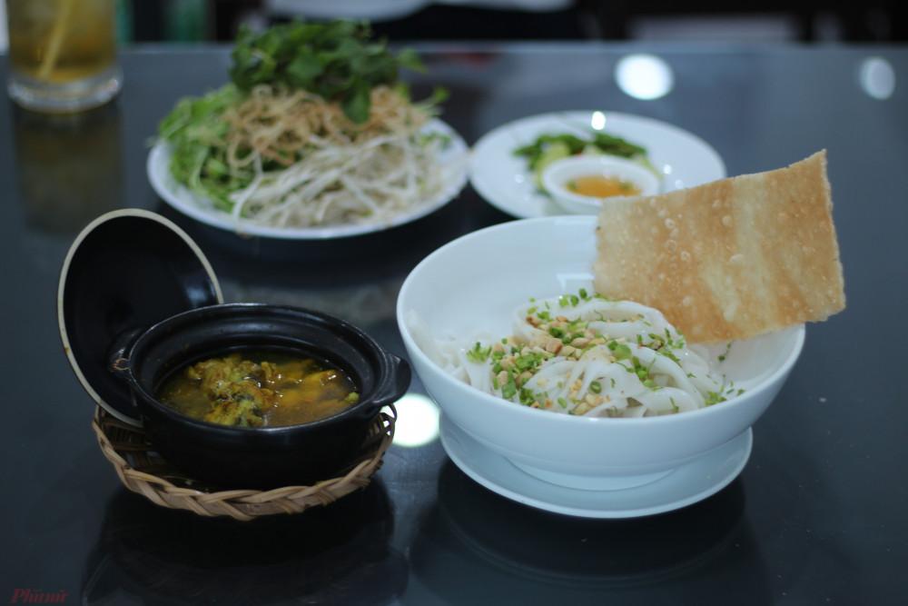 Mí Quảng ếch