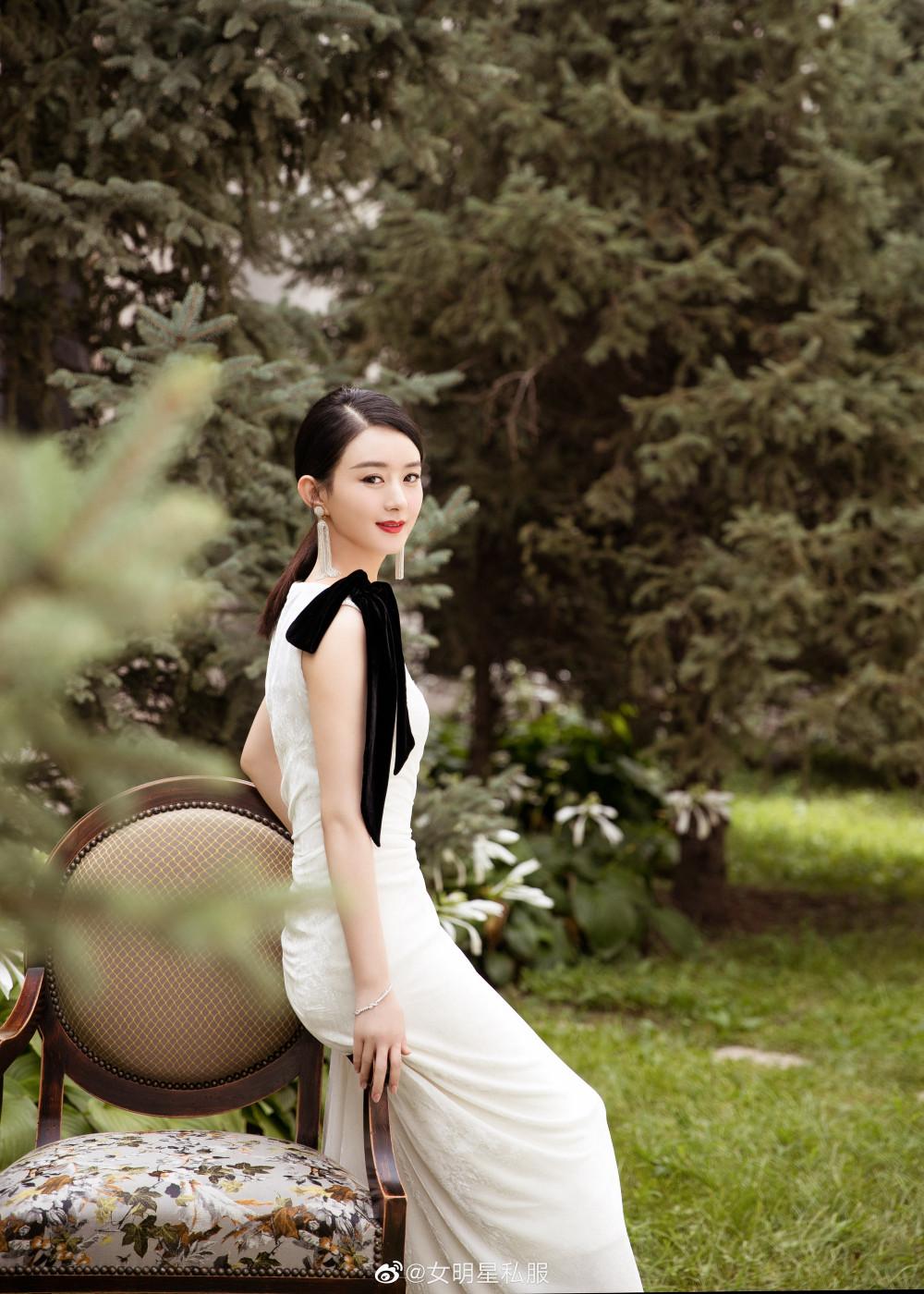 Triệu Lệ Dĩnh hiện là một trong những cái tên có sức ảnh hưởng lớn trong làng giải trí Hoa ngữ