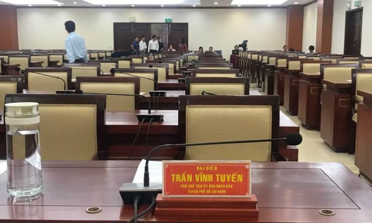 Vị trí ngồi làm việc của ông Trần Vĩnh Tuyến tại Kỳ họp thứ 20 HĐND TPHCM khóa 9