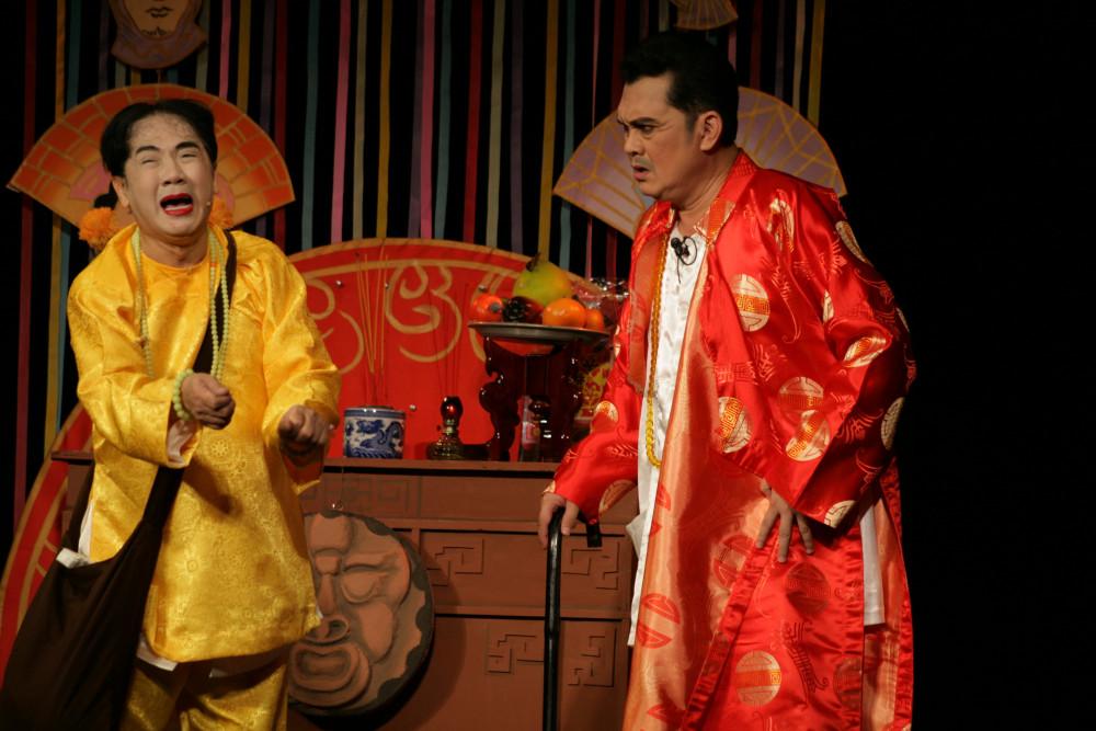 Cậu đồng (NSƯT Thành Lộc) và thầy Phán (NSƯT Hữu Châu) tái ngộ khán giả sau 23 năm