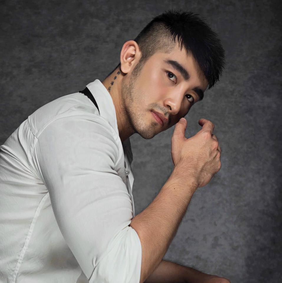 Lục Triều Vỹ cùng hàng loạt diễn viên, người mẫu bị tạm giữ.