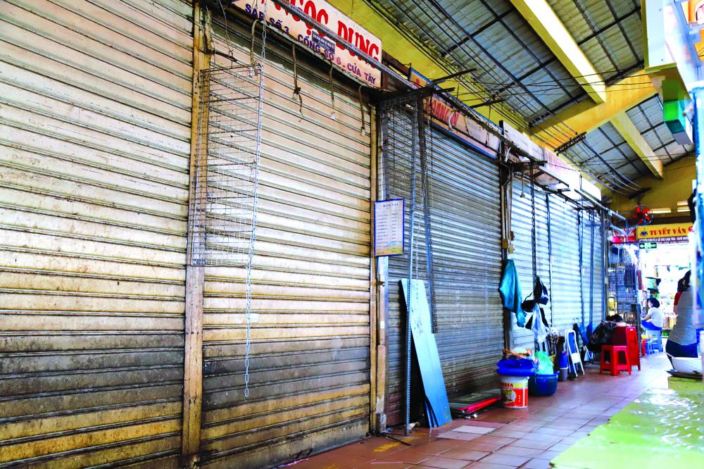 Hàng quán đóng cửa đã trở thành chuyện bình thường ở chợ Bến Thành