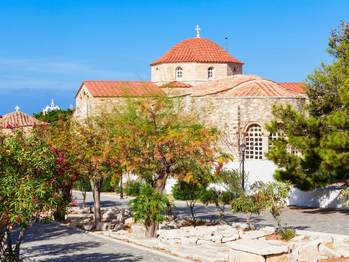 Nhà thờ Panagia Ekatontapiliani , một trong những di tích được bảo tồn tốt nhất ở Hy Lạp