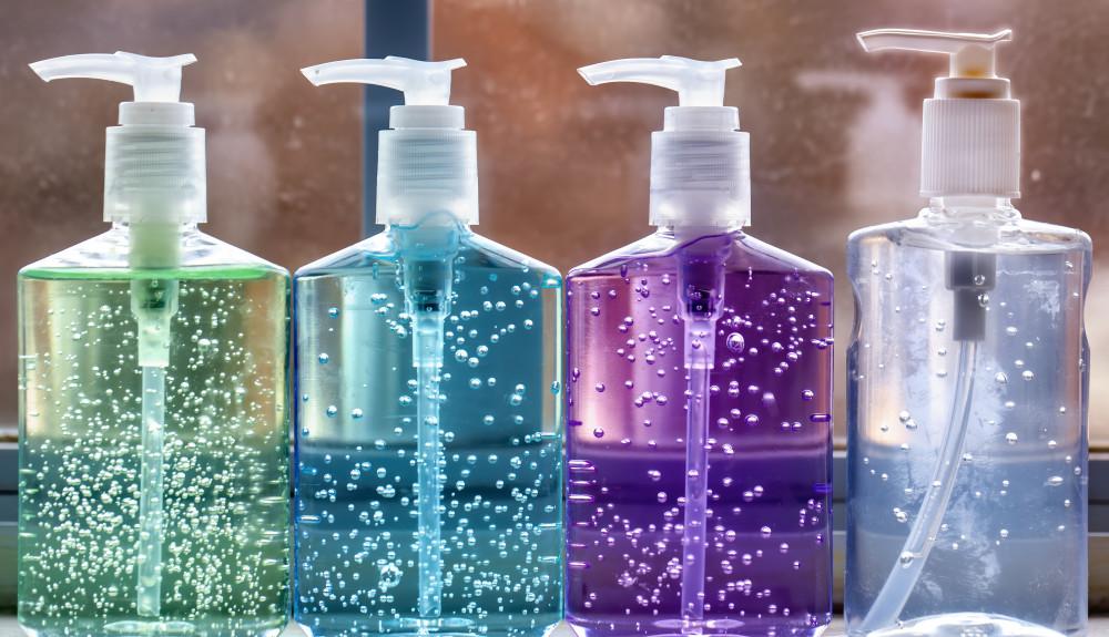 FDA công bố các sản phẩm chất khử trùng tay không đạt chuẩn.