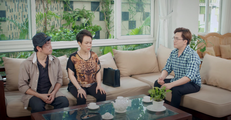 Nghệ sĩ Việt Hương, Hoài Tâm và Đại Nghĩa trong một phân cảnh của phim Cân mẹ