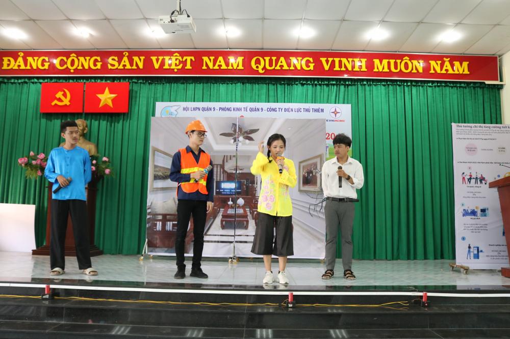 Tiểu phẩm Điện không của riêng ai của Hội LHPN phường Tăng Nhơn Phú B.