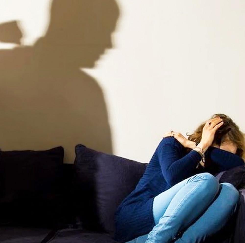 Cứ 10 phụ nữ thì có 1 phụ nữ (9%) bị bạo lực tình dục từ năm 15 tuổi. Phần lớn kẻ gây ra bạo lực là nam giới không phải thành viên trong gia đình.