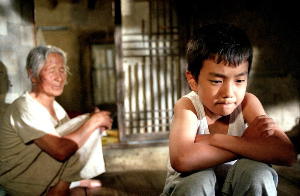 Ngoài vai cậu bé Sang Woo, những diễn viên trong phim đều là diễn viên vô danh.