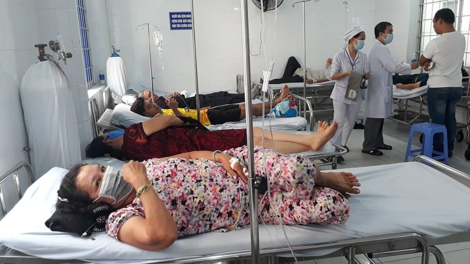 Gần 100 bệnh nhân đang điều trị ở bệnh viện Lê Lợi sau khi tham dự buổi hội nghị khách hàng do 1 công ty thuốc trừ sâu tổ chức.