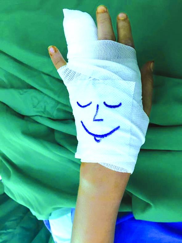 Một người bạn mới nơi vết thương giúp hỗ trợ tinh thần bệnh nhi rất nhiều trong quá trình điều trị