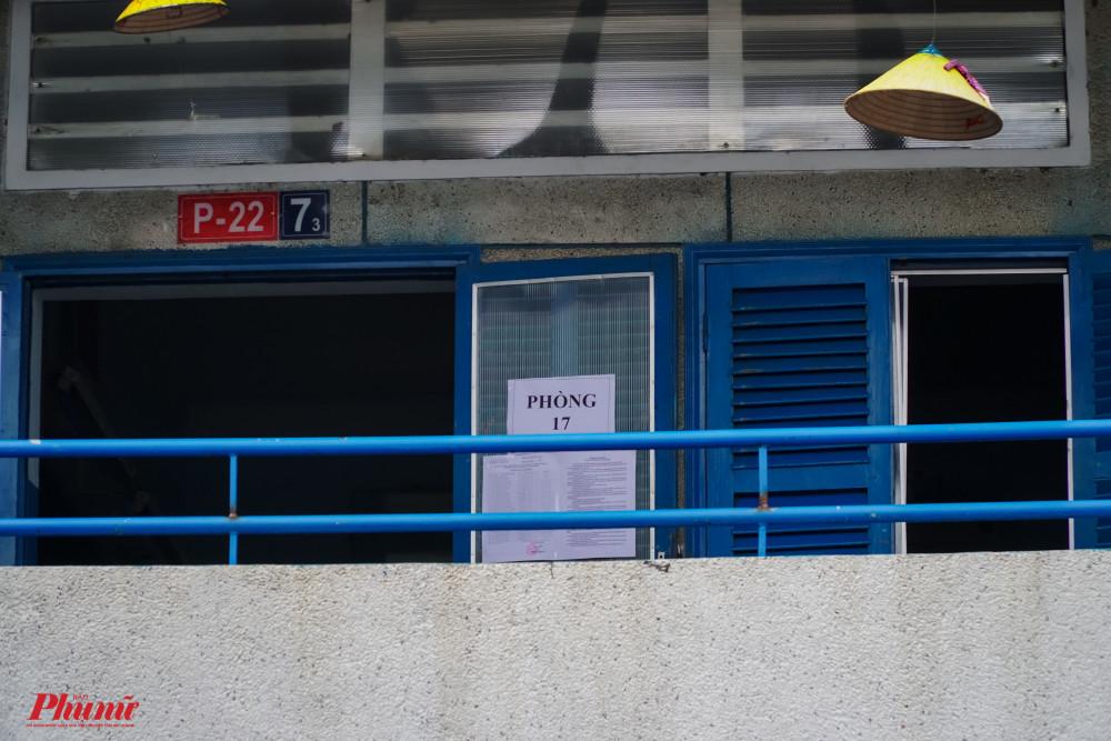 Đúng 7g, chuông báo hiệu các em tập trung về phòng thi chuẩn bị các giấy tờ cần thiết