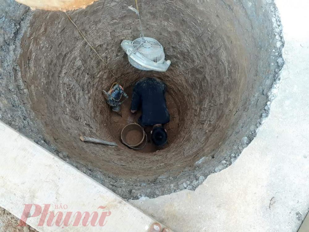 Giếng nước ở vùng cao được người dân đào sâu hơn để tìm nước sinh hoạt