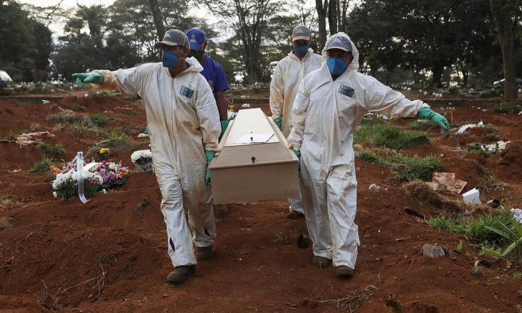 WHO ghi nhận kỷ lục hơn 237.000 ca nhiễm trong 24 giờ