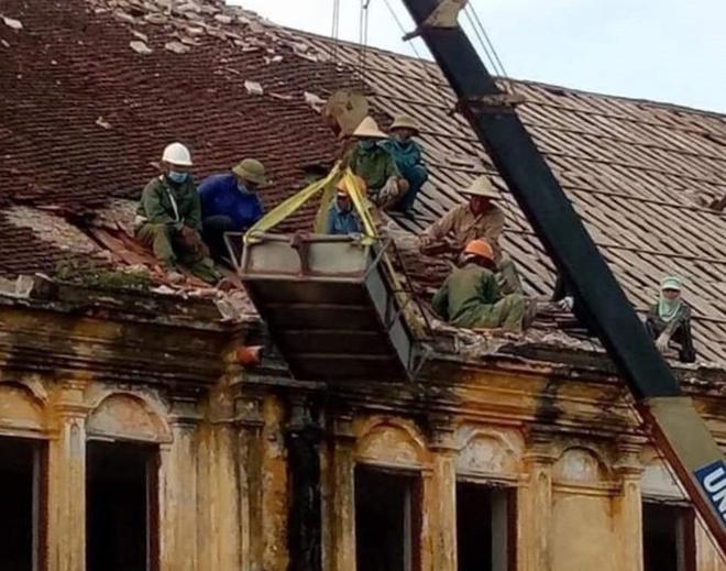 Nhà thờ Bùi Chu đang được tiến hành hạ giải.