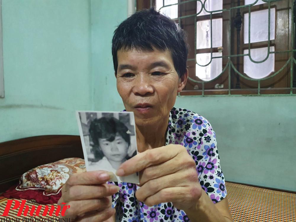 Sau 24 năm lưu lạc, người phụ nữ này trông đã khác nhiều so với bức ảnh ngày còn trẻ.