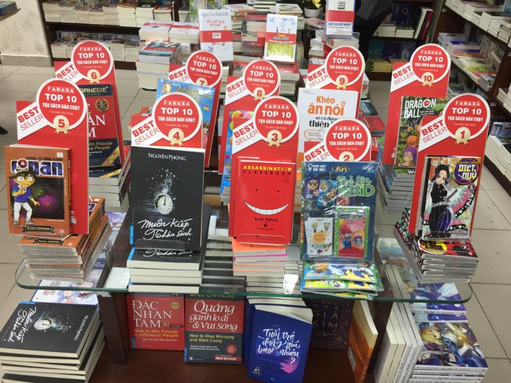 Hiện trên thị trường sách, sách liên kết chiếm một số lượng lớn - Ảnh minh họa