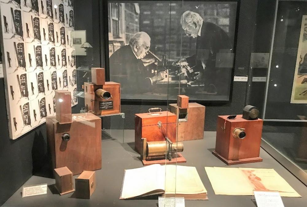 Bảo tàng phim ảnh Dusseldorf là một điểm du lịch phổ biến ở Đức