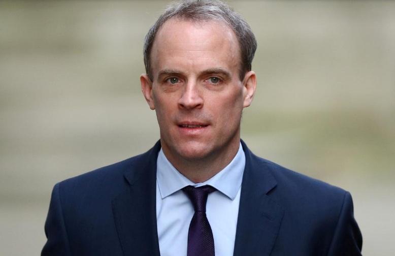 Bộ trưởng Dominic Raab cho biết quyết định đình chỉ sẽ có hiệu lực ngay lập tức và vô thời hạn.