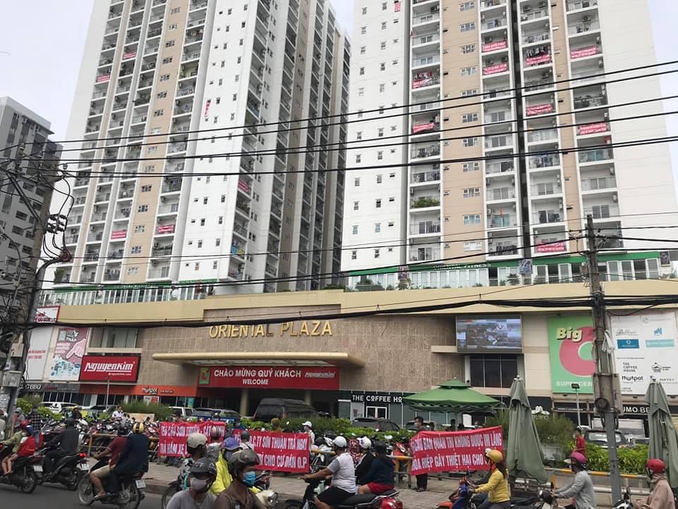 Chủ đầu tư dự án chung cư Oriental Plaza xây dựng trái phép, cơ quan chức năng đã nhiều lần kiểm tra và ra quyết định xử phạt
