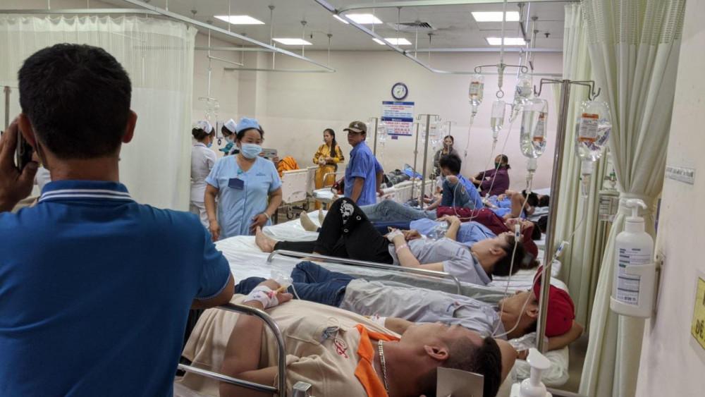 Công nhân ngộ độc đang được điều trị tại BVĐK Đồng Nai