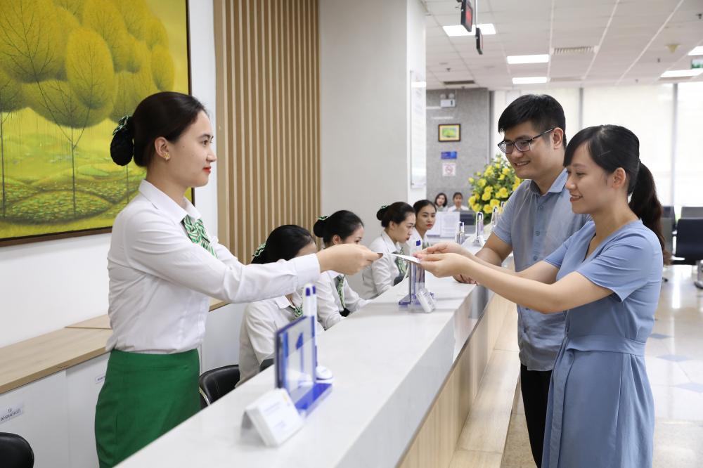 """Sáng 21/7, Trung tâm Dinh dưỡng Y học vận động Nutrihome được đưa vào hoạt động tại TP.HCM và Hà Nội. Đây là hệ thống trung tâm dinh dưỡng - y học vận động cho trẻ em và người lớn chuyên sâu đầu tiên tại Việt Nam. Mục tiêu của trung tâm là cải thiện tình trạng dinh dưỡng của phụ nữ có thai, trẻ em dưới 2 tuổi, góp phần nâng cao tầm vóc, thể lực người Việt Nam. Bởi theo Viện Dinh dưỡng quốc gia, việc thiếu vi chất dinh dưỡng chính là """"nạn đói tiềm ẩn"""", bởi dấu hiệu không rõ ràng nhưng hậu quả rất nghiêm trọng, gây suy giảm tâm thần, sức khỏe kém, giảm chỉ số thông minh, năng suất học tập thấp."""