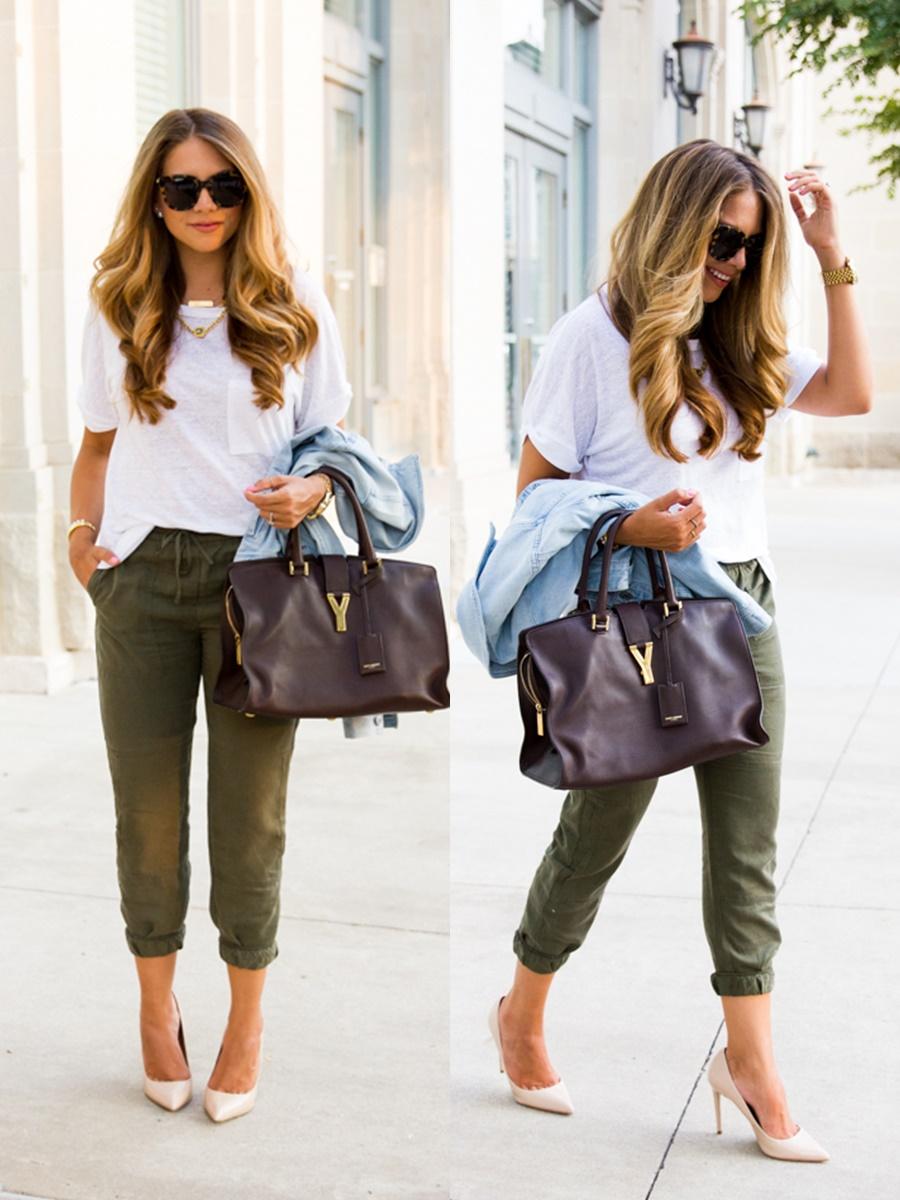 Giày cao gót khi kết hợp với combo quần jogger và áo thun giúp bạn gái đảm bảo nét thanh lịch mà vẫn thoải mái ngày hè.