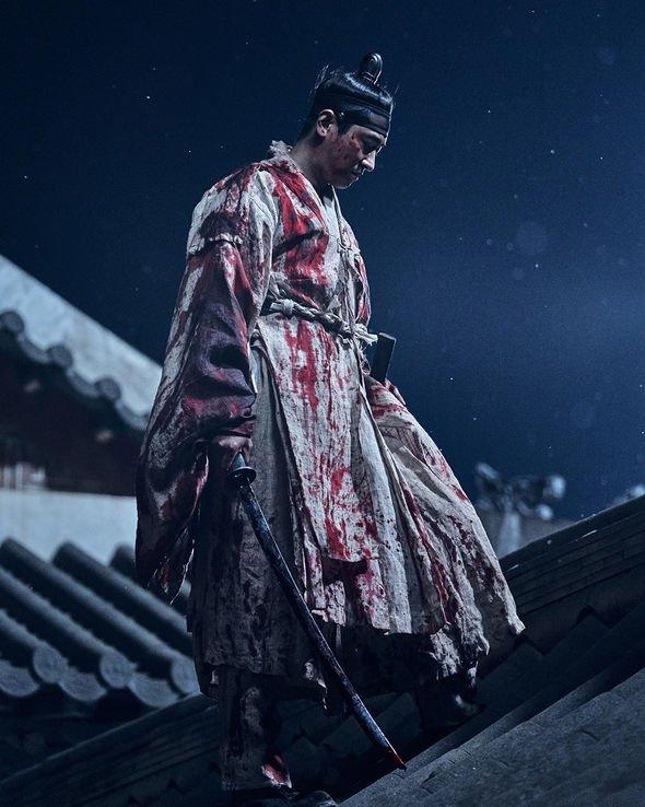Những phân cảnh ấn tượng của Joo Ji Hoon trong Kingdom 2