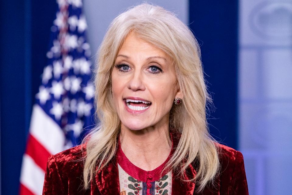 Cố vấn Nhà Trắng Kellyanne Conway cho biết Tổng thống Donald Trump không hài lòng với Trung Quốc về việc xử lý đại dịch COVID-19.