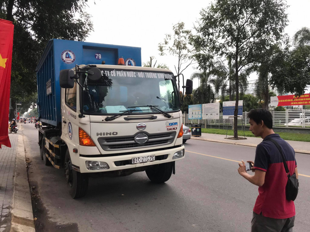 Xe chở chất thải liên quan đến vụ tai nạn chạy thêm một đoạn mới dừng lại