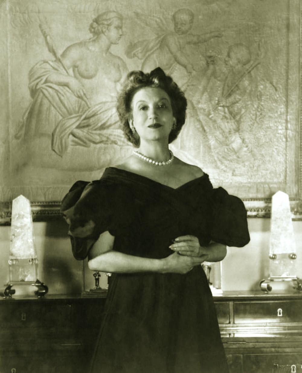 Chân dung nữ doanh nhân ngành mỹ phẩm  và chủ hiệu làm đẹp Elizabeth Arden (1947)