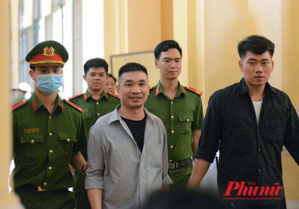 Văn Kính Dương và đồng phạm đang bị xét xử tại TP.HCM. Ảnh: Hiếu Nguyễn