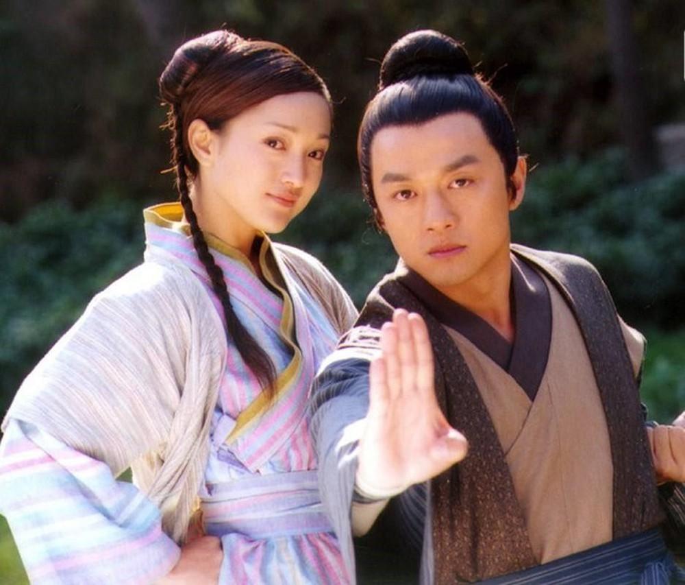 Lý Á Bằng đóng cặp Châu Tấn trong phim Anh hùng xạ điêu 2003