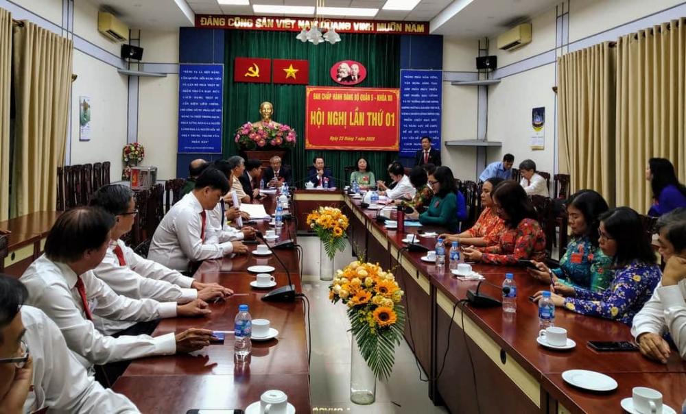 Hội nghị lần thứ 1 Ban chấp hành Đảng bộ quận 5 nhiệm kỳ mới.
