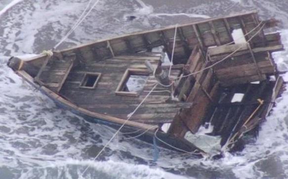Nhiều thuyền ma trôi dạt đến bờ biển Nhật Bản, phần lớn không có dấu vết của con người, nhưng một số vẫn còn lưu lại hài cốt ngư dân.