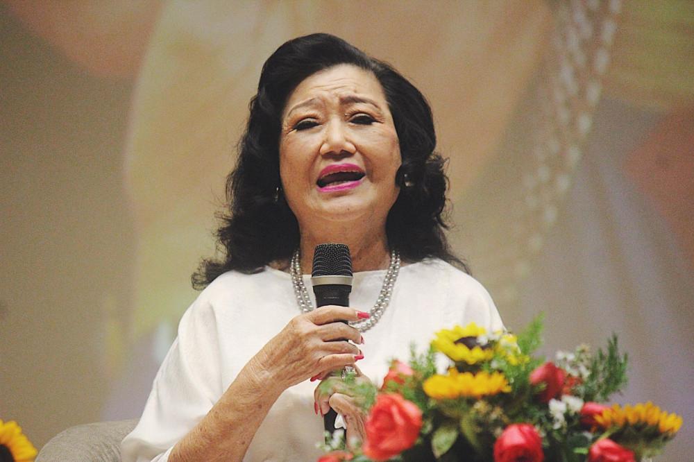NSND Kim Cương chia sẻ trong buổi toạ đàm kỷ niệm 99 năm ngày sinh cố Giáo sư Trần Văn Khê