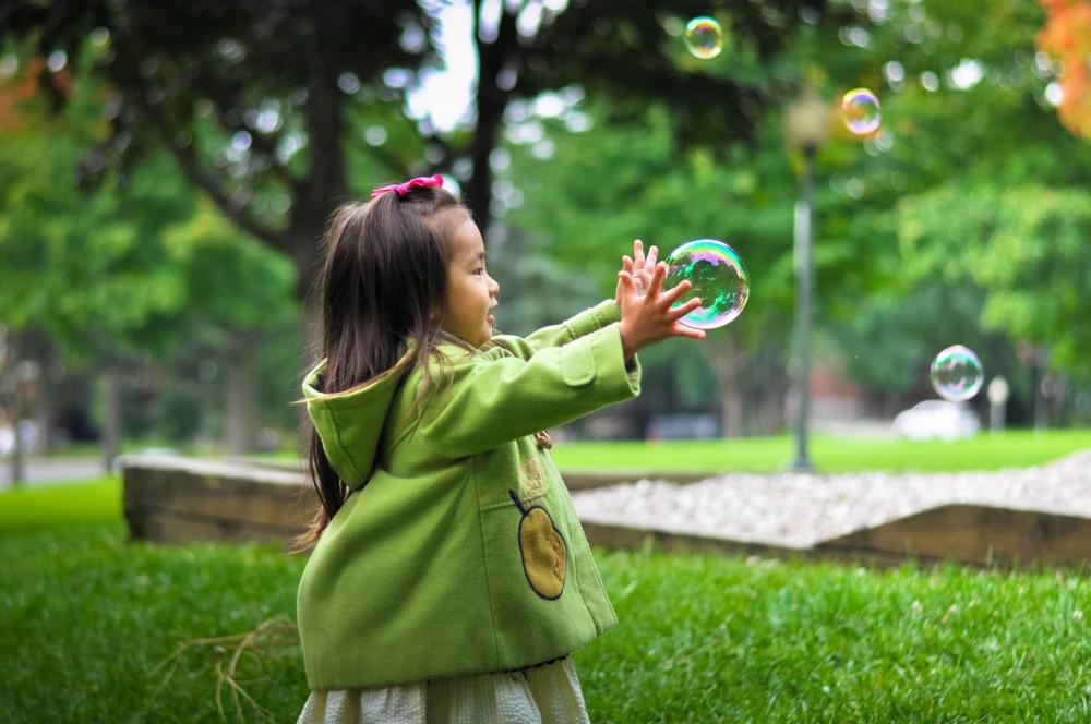Công viên là điểm chụp lý tưởng cho trẻ