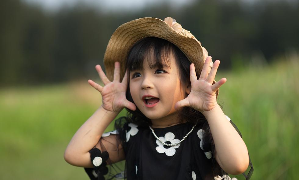 Trẻ em và thiên nhiên, một đề tài nhiếp ảnh khai thác không bao giờ cạn