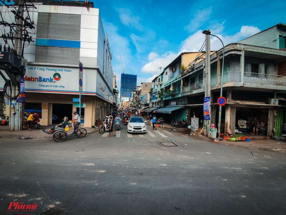 Ngã ba đường Nguyễn Thái Học và Cô Giang