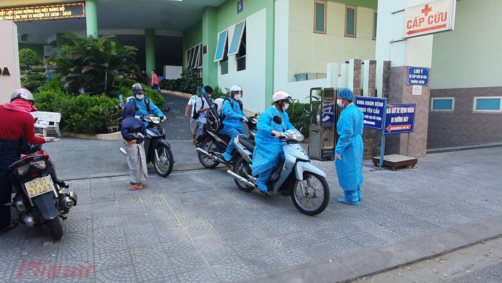 Ngành y tế Đà Nẵng tiến hành truy lùng các cơ sở bệnh nhân 418 đã đến để phun xịt khử khuẩn