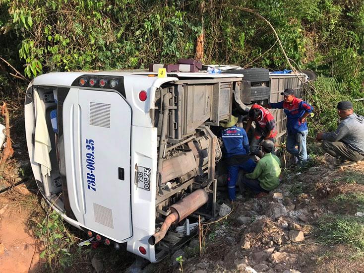 Hiện trường vụ tai nạn giao thông thảm khốc xảy ra trên đường Hồ Chí Minh nhánh Tây