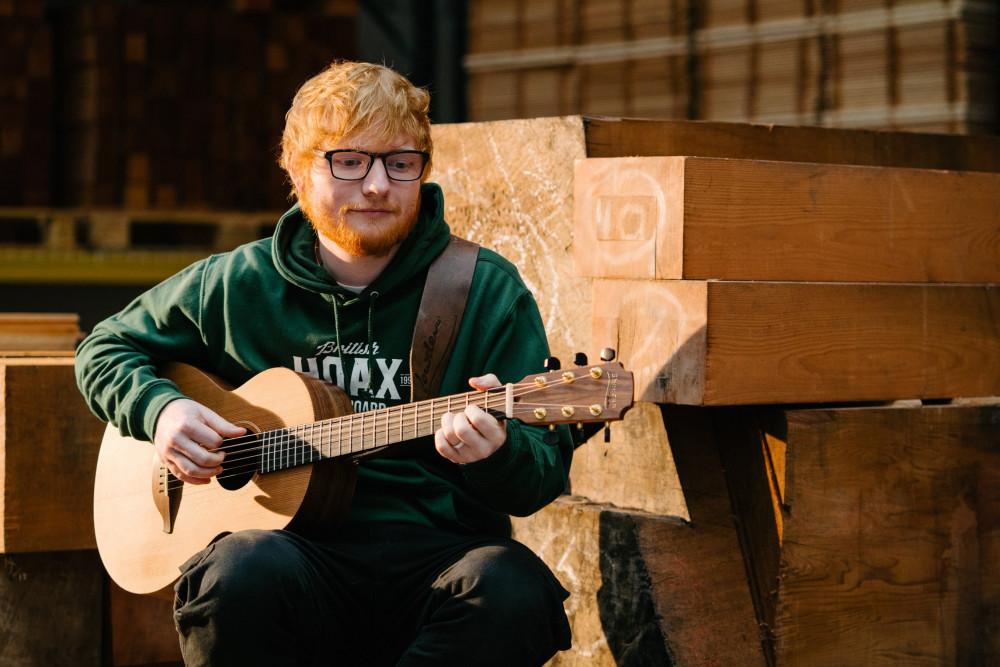 Năm 2019, Ed Sheeran thu về hơn 5.000 tỷ đồng.