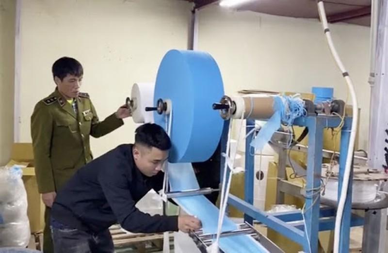 Khẩu trang từ giấy vệ sinh từng được phát hiện tại Hà Nội
