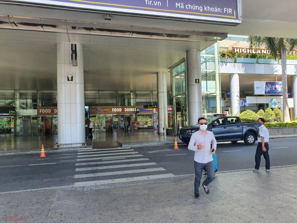 Ga đến sân bay Đà Nẵng vắng bóng du khách