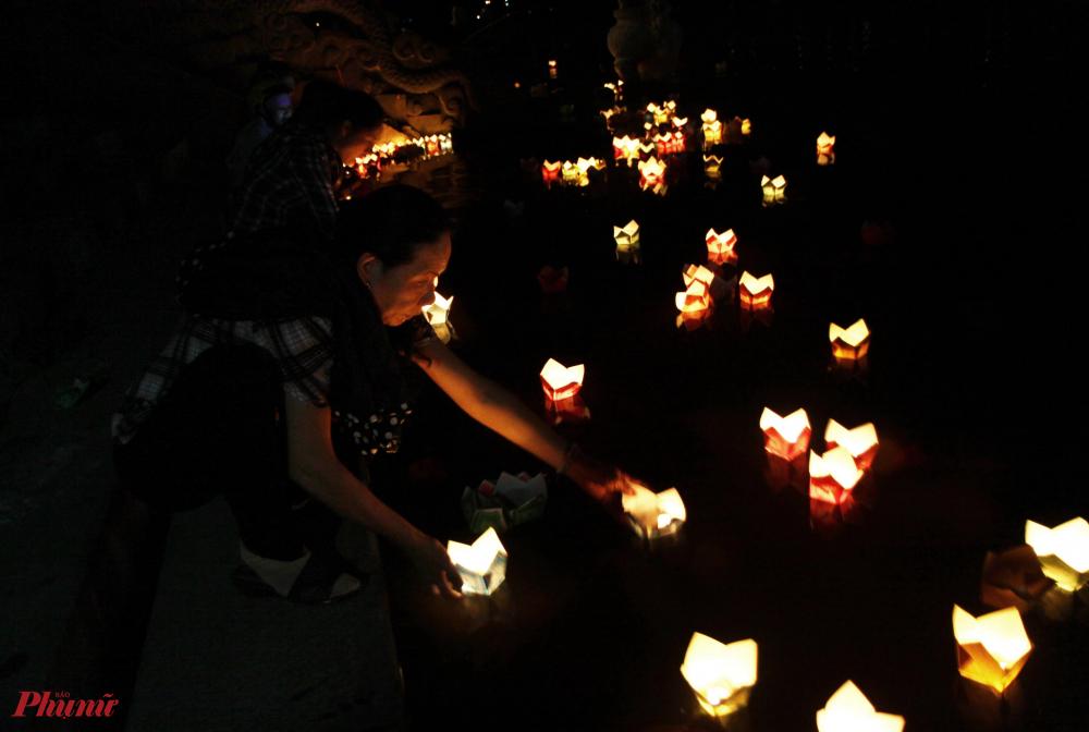 Đến nay, đã 48 năm trôi qua nhưng âm hưởng của cuộc chiến đấu ấy vẫn còn đó. Tinh thần bất diệt, tấm gương sáng ngời của các anh hùng liệt sĩ  chiến đấu bên thành cố Quảng Trị sẽ sống mãi với non sông Việt Nam. Hàng năm cứ dến dịp lễ 27/7 và ngày thành lập quân đội nhân Việt Nam, người dân khắp mọi miền đất nước lại tìm về bên bờ sông Thạch Hãn lịch sử để thả hoa đăng để bày tỏ lòng tri ân, tưởng niệm, ôn lại truyền thống của các thế hệ cha anh đi trước