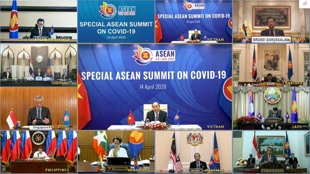 Thủ tướng Nguyễn Xuân Phúc chủ trì Hội nghị Cấp cao đặc biệt ASEAN và Hội nghị Cấp cao đặc biệt ASEAN+3 (Trung Quốc, Nhật Bản và Hàn Quốc) về ứng phó dịch bệnh COVID-19 bằng hình thức họp trực tuyến.