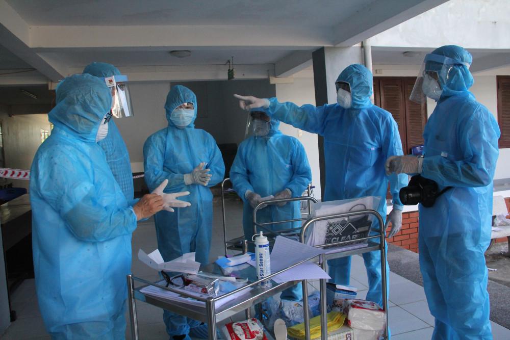 Ngành chức năng tỉnh Quảng Nam đã đưa 11 người tự ý rời Bệnh viện Đà Nẵng  đi cách ly tại các khu cách ly tập trung ở địa phương