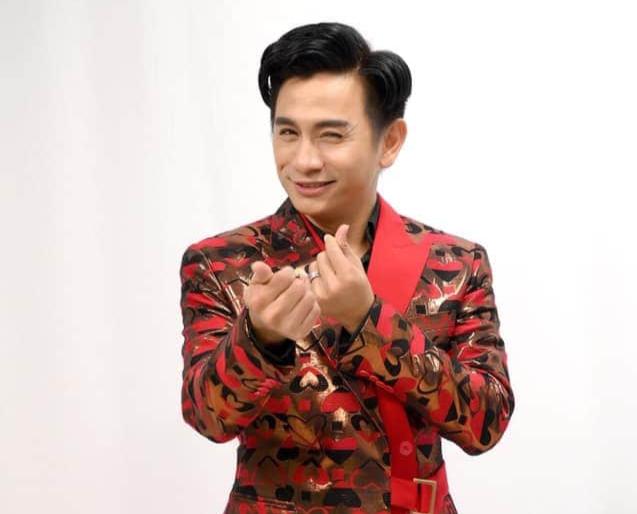 Nghệ sĩ Đình Toàn một trong năm thành viên kỳ cựu của nhóm Líu lo thành lập vào năm 2000